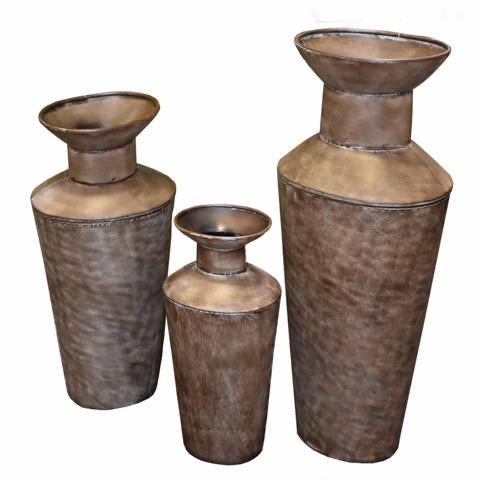 Captivating 3 Piece Metal Planter, Brown