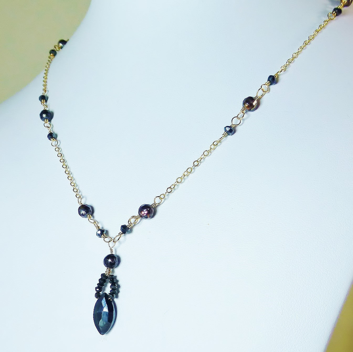 Black spinel, pearl and gold necklace