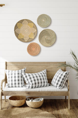 Accent wall living room-seagrass