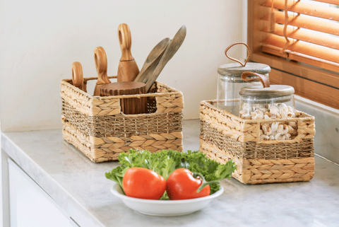 Use the wicker baskets to keep your counter clean 002