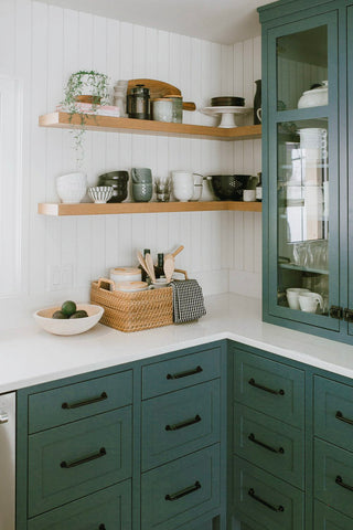 Kitchen color accents-lean on green 001