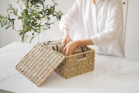 Simple home decor items-seagrass baskets with lid
