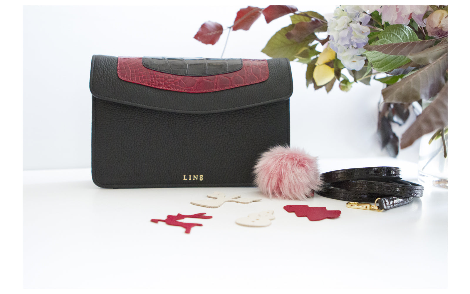 LIN8 Australia's bespoke luxury leather goods made in Australia. Made with genuine exotic crocodile leather. Create, design your leather goods, bag, handbag, purse, clutch, wallet, pet dog collar, gym lifting pulling straps