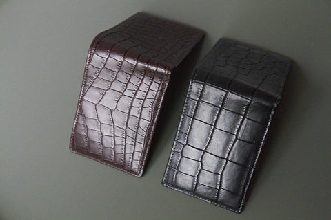 LIN8 Australia's bespoke luxury leather goods made in Australia with concierge design services. Design, create, tailor, customise your own leather goods, bag, handbag, purse, clutch, wallet, pet dog collar, gym lifting pulling straps. Taurillon, togo, chevre, crocodile leather specially imported from France. Comes with free bluetooth beacon tracking device