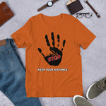 STOP! Keep your distance Short-Sleeve Unisex T-Shirt - Scattando Verkleedhuis