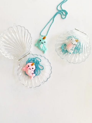 Chatons De Bonbon Necklace in Shell
