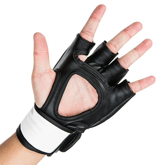 Open finger design helps athletes maintain control and range of motion