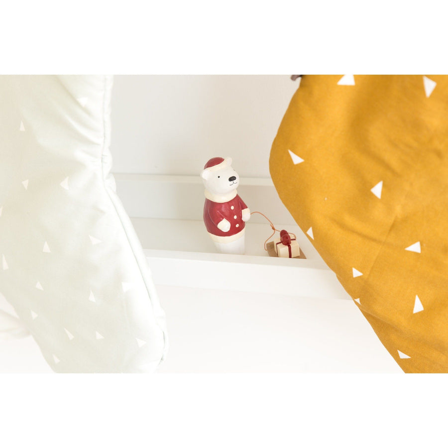 T-Lab Christmas Pole Pole Polar Bear with Present