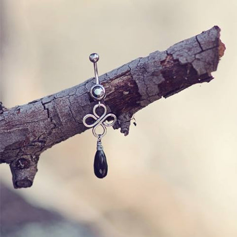 Odyssey Silver and Black Spinel Gem Belly Bar Jewellery