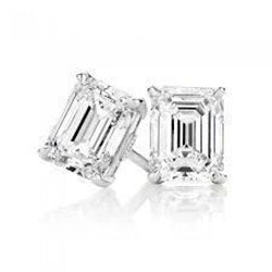 1.50 Carats Emerald Cut Diamond Stud Earring White Gold Lady Jewelry