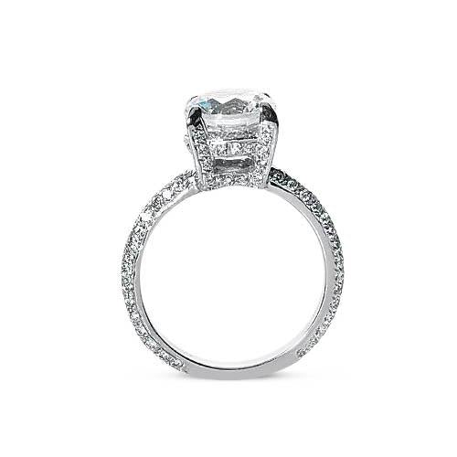 2.52 ct Round diamonds solitaire with accents ring white gold