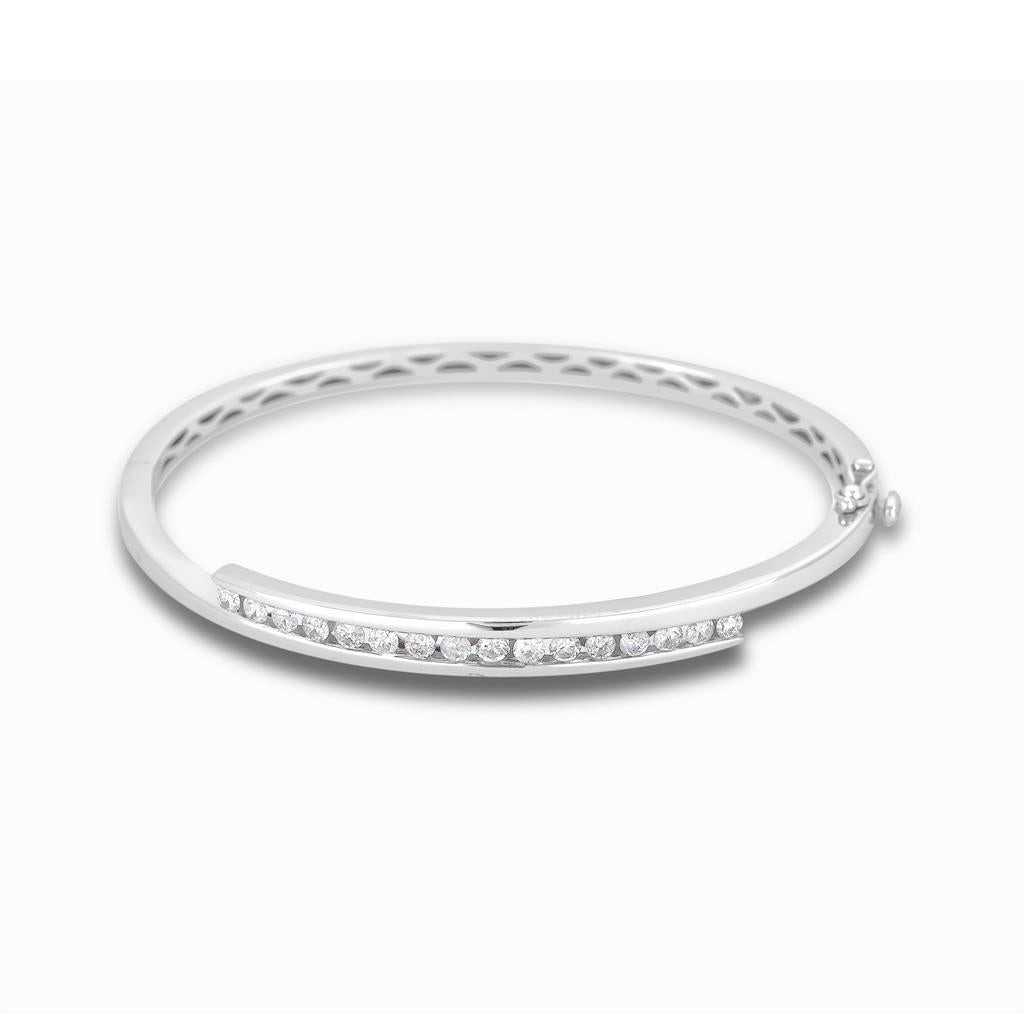Round Shape 2.40 Carats Diamonds Women Bangle White Gold 14K Bangle