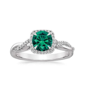 Solitaire With Accent 3.00 Carats Emerald With Diamonds Ring White Gemstone Ring