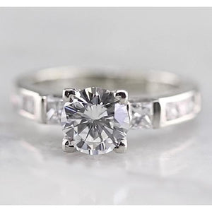 Three Stone Round Diamond Engagement Ring F Vs1 Vvs1 White Gold 14K 1.50 Carats Solitaire Ring with Accents