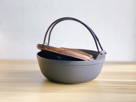 Okofuku Cast Iron Traditional Nabe Pot w Wood Lid / 小幸福鍋