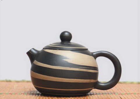 "Jian Shui Clay ""Black and White Swirl"" Xi Shi Teapot by Yao Yun Chao * 250ml"