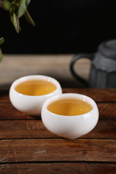 "Man Gang Village ""Cha Wang Shu"" Raw Pu-erh Tea Dragon Balls"