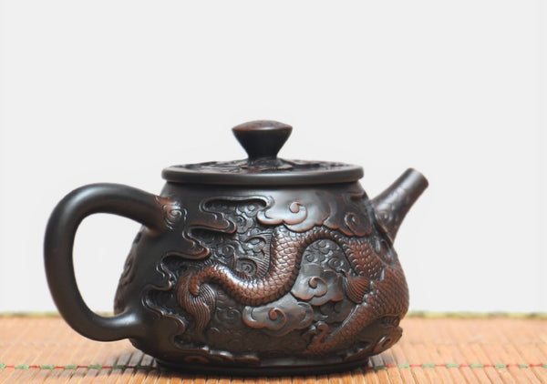 "Jian Shui Clay ""Dragon"" Shi Piao Teapot by He Shang * 260ml"