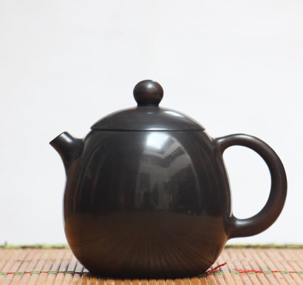 "Jian Shui Clay ""Dragon Kiln"" Teapot by Yao Yun Chao"