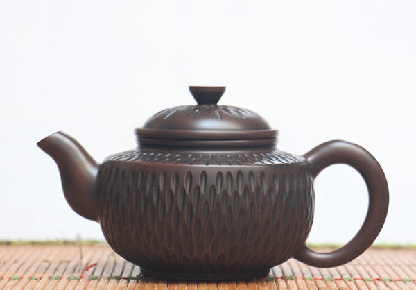 "Jian Shui Clay ""Honeycomb"" Teapot by Hong Xue Zhi"