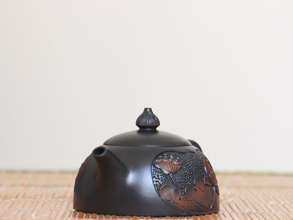 "Jian Shui Clay ""Lotus "" Teapot by Yang Zhen * 140ml"