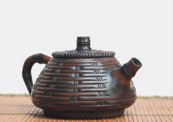 "Jian Shui Clay ""Bamboo Weaving"" Teapot by Wang Yan Ping * 230ml"
