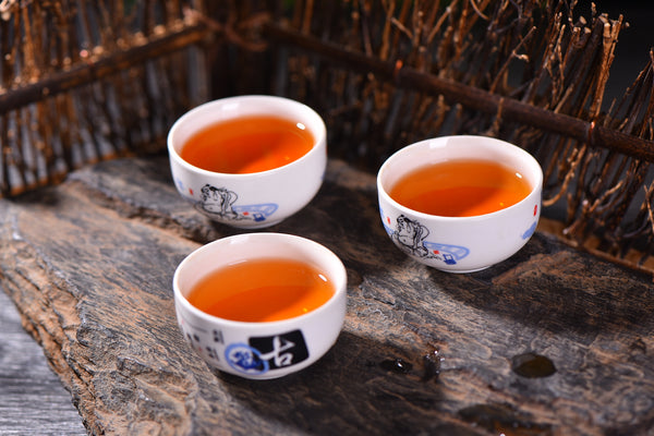 "2018 ""Drunk on Red with Osmanthus Flower"" Sun-Dried Black Tea Cake"