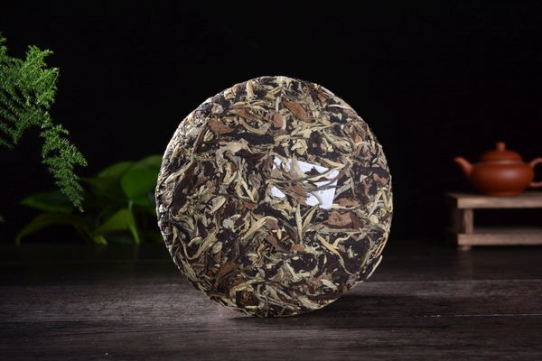 "2019 Zu Xiang ""Wu Liang Moonlight White"" Organic Tea Cake"
