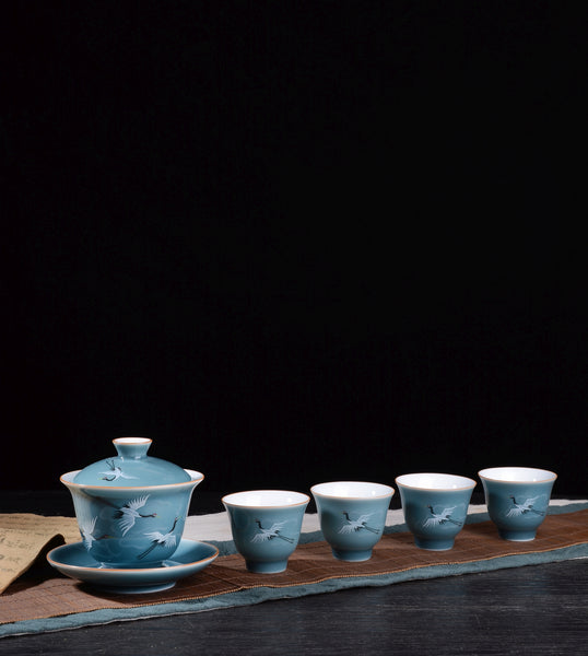 "Jingdezhen ""Cranes Flying in the Blue Sky"" Gaiwan and Cup Set"
