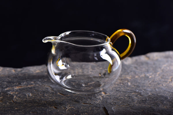 Amber Handle Glass Cha Hai for Gong Fu Cha * 280ml