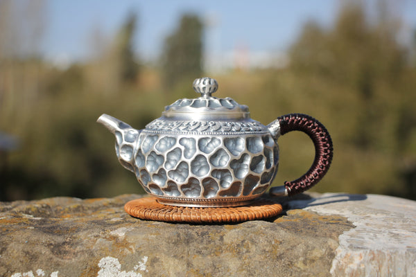 "Pure Silver 990 ""Crater"" Teapot * 280ml"