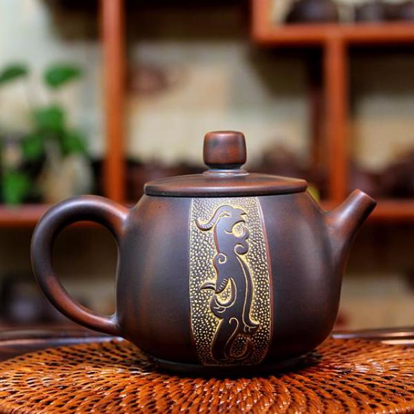 "Qin Zhou Nixing Clay Teapot ""Dragon & Phoenix"" by Hu Ying Jia"