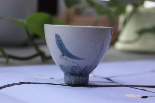 "Jingdezhen Porcelain ""Six Stages of the Lotus"" Tea Cup Set - Yunnan Sourcing Tea Shop"