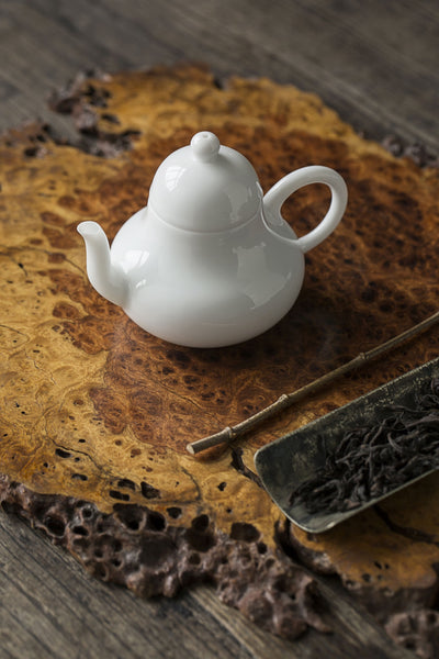 "Jingdezhen White Porcelain ""Si Ting"" Teapot and Cups"