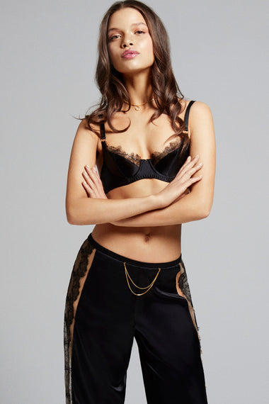 Edge o' Beyond double 18 carat gold jewellery chains designed to attach to your EOB suspenders, brief or thong. The perfect women's underwear addition. Worn with Karis bra and loungewear trousers