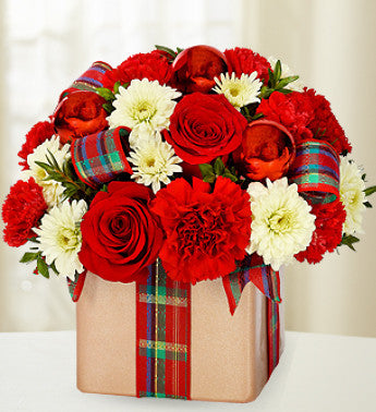Red, White and Merry Arrangement