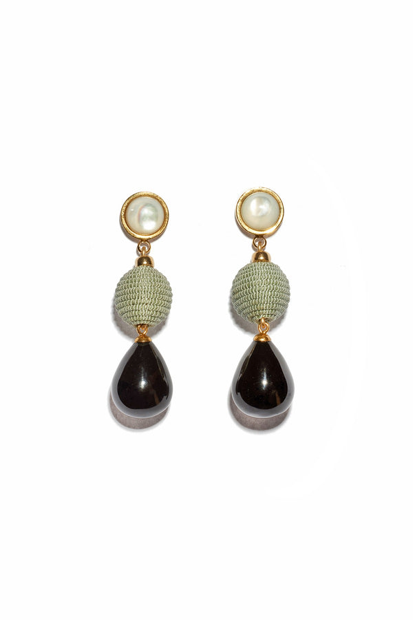 https://www.janeleslieco.com/products/lizzie-fortunato-moss-and-agate-drop-earrings