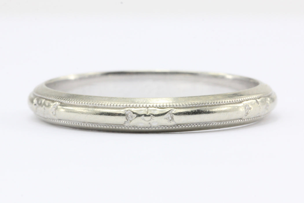 14K White Gold Art Deco Etched Wedding Band