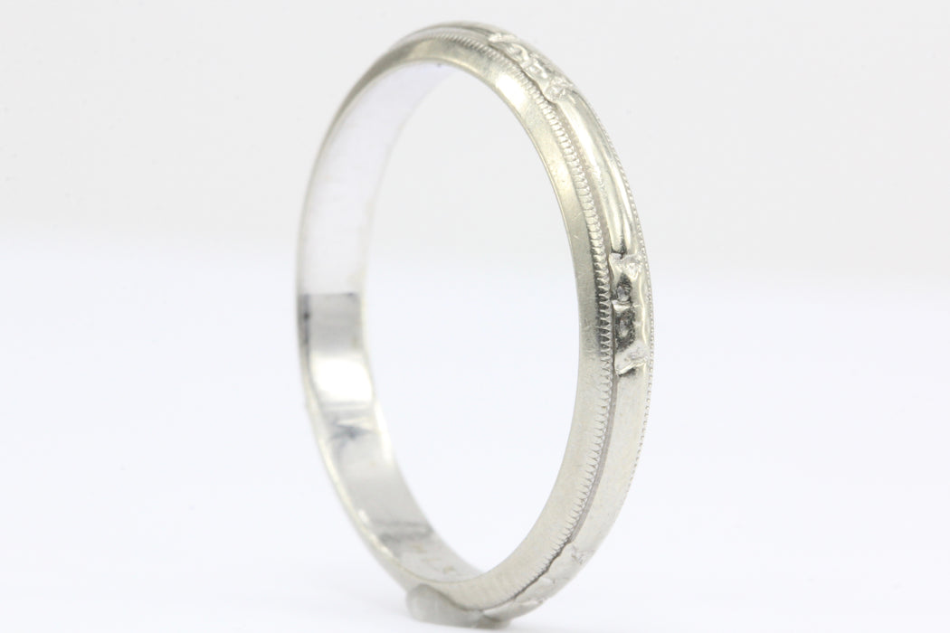 14K White Gold Art Deco Etched Wedding Band - Queen May