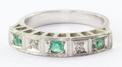 Art Deco Emerald Diamond 18K White Gold Cathedral Band Ring