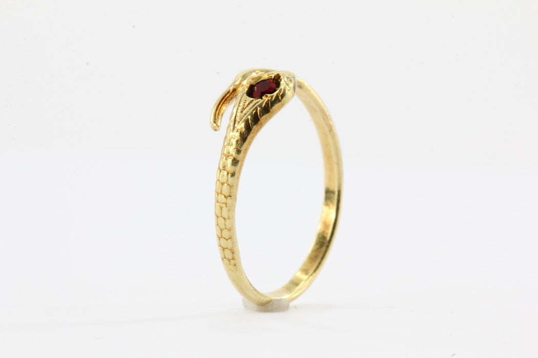 Uno Arre 18k Snake Crimson Red Stone Adjustable Ring - Queen May