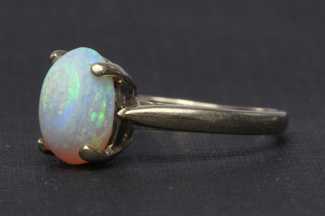 14K Yellow Gold 1.72 Carat Opal Ring Size 5.25 - Queen May