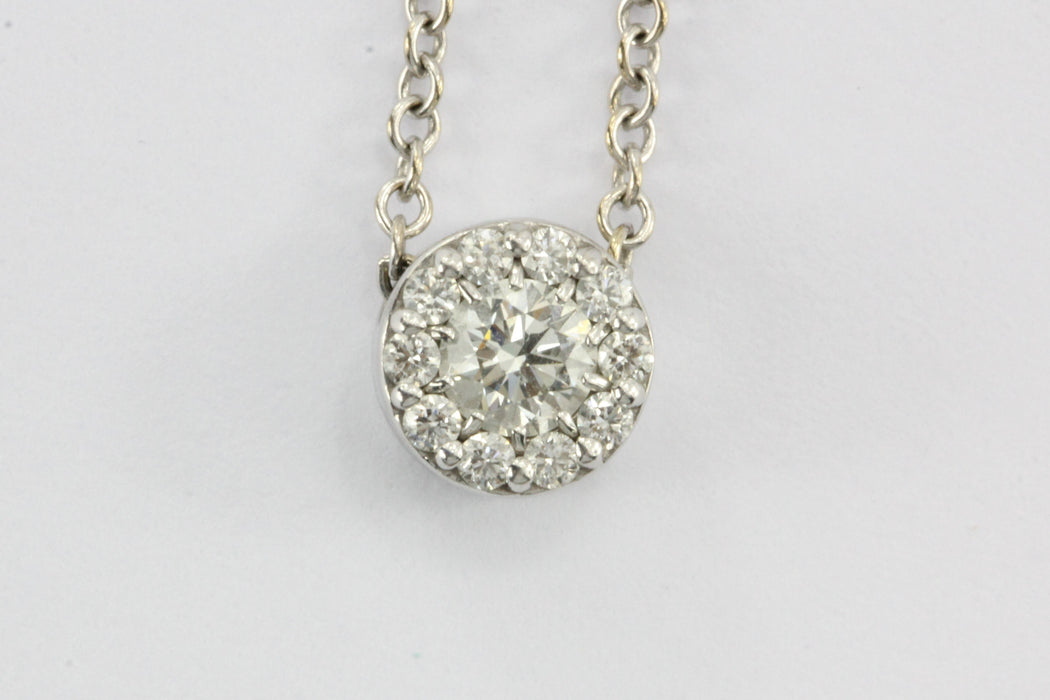 Hearts on Fire .25 CTW Diamond Pendant Necklace - Queen May