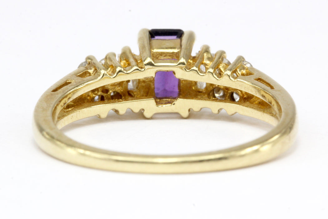 14K Yellow Gold .40 CT Amethyst and Diamond Ring Size 5.75