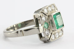 Art Deco Platinum Emerald & Diamond Ring