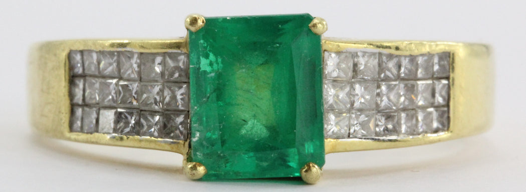 18k Gold 1.5 Carat Emerald & Pave Set Diamond Ring