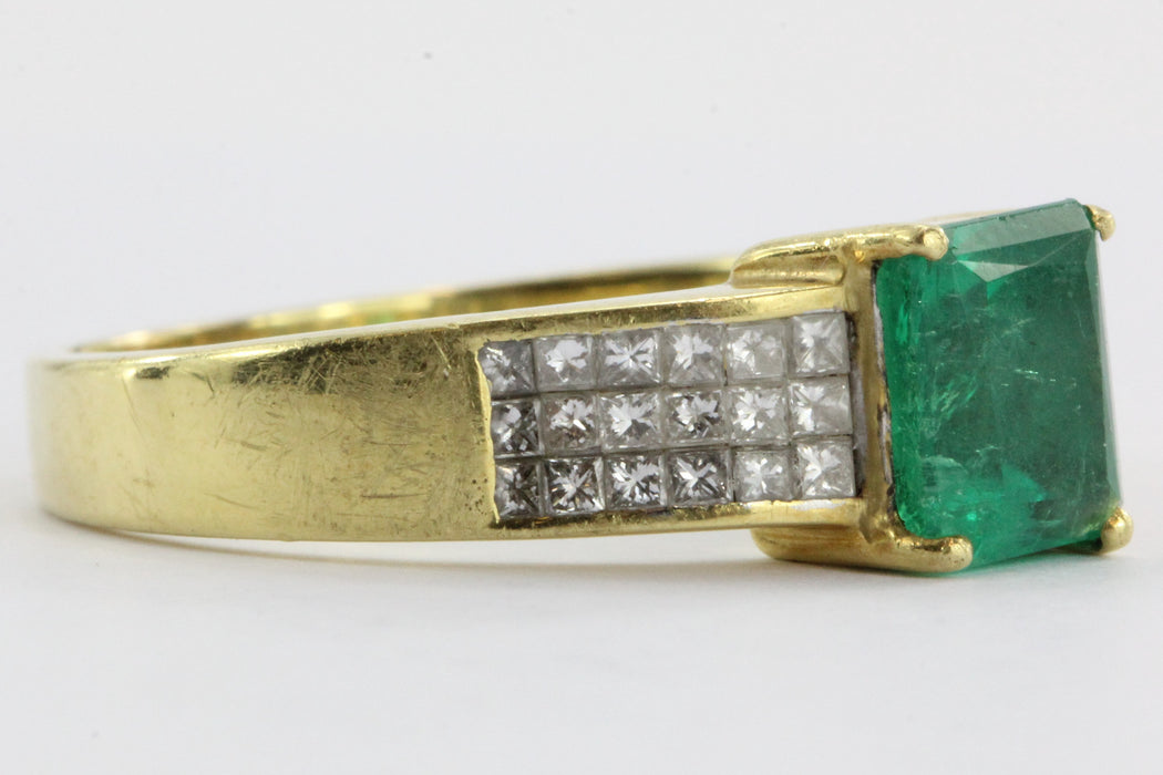 18k Gold 1.5 Carat Emerald & Pave Set Diamond Ring - Queen May