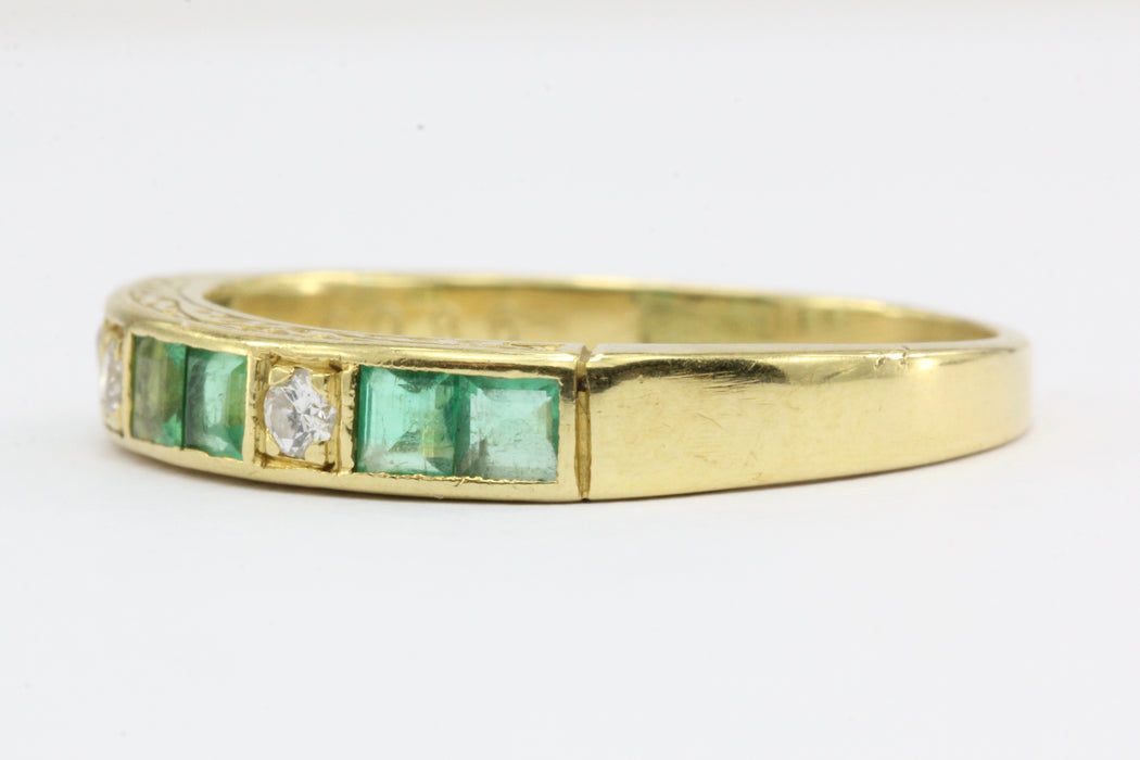 18k Gold Diamond Emerald Band Ring from London England c.1986