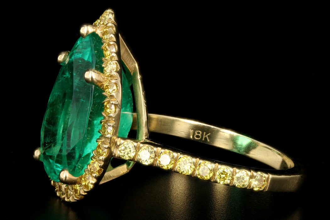 New 18k Yellow Gold 5.92 Carat Colombian Emerald and Vivid Yellow Diamond Ring - Queen May