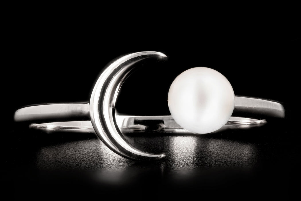 New 14K Gold Crescent Moon & Pearl Ring - Queen May